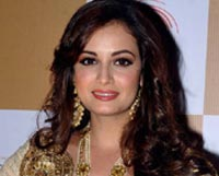 Dia Mirza came forward to help flood victims of Kashmir