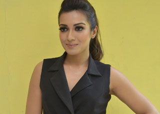 Catherine Tresa Photo Gallery 11