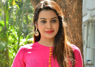 Deeksha Panth Photo Gallery 3