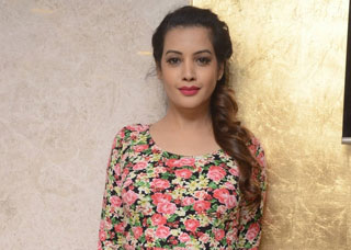 Deeksha Panth Photo Gallery 5