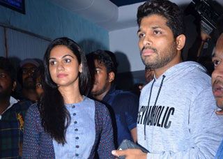 Duvvada Jagannadham Movie Team Theater Coverage Photo Gallery