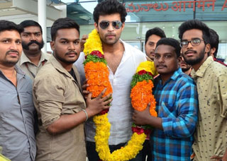 Fidaa Team at Vijayawada Airport Photo Gallery