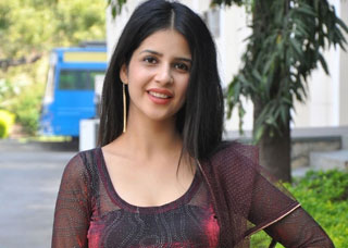 Kashish Vohra Photo Gallery 2