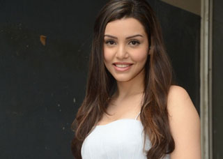 Kyra Dutt Photo Gallery 3