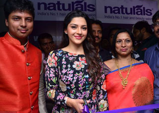 Mehreen Launches Natural Salon At Sanath Nagar Photo Gallery