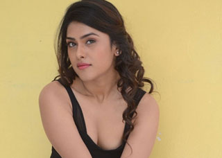 Naira Shah Photo Gallery 1