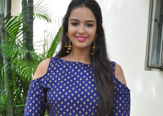 Poojitha Photo Gallery 1