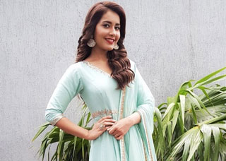 Raashi Khanna Photo Gallery 24