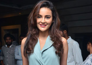 Seerat Kapoor Photo Gallery 9