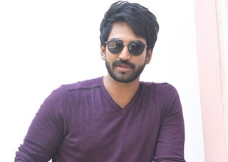 Aadhi pinisetty Photo Gallery