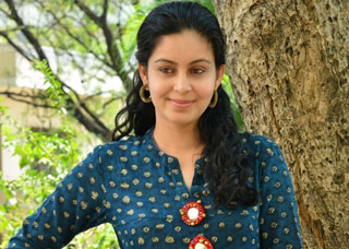 Abhinaya Photo Gallery 1