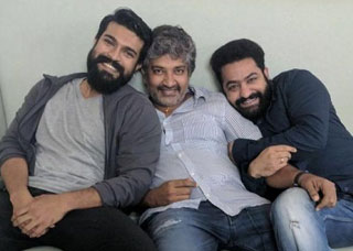 Bahubali Director S S Rajamouli New Update On RRR