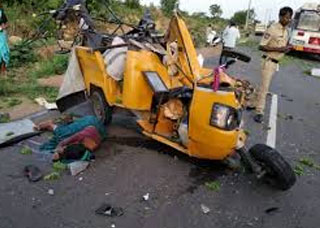 Five Killed in Road Accident in Rangareddy district l Telangana