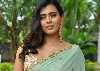 Hebbah Patel Photo Gallery 8