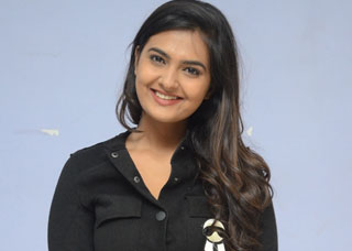 Neha Deshpande Photo Gallery 11