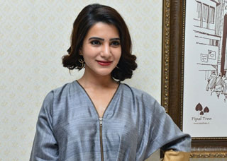 Samantha Photo Gallery 54