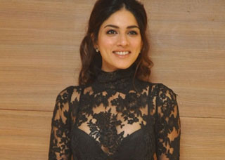 Sapna Pabbi Photo Gallery