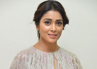 Shriya Photo Gallery 32