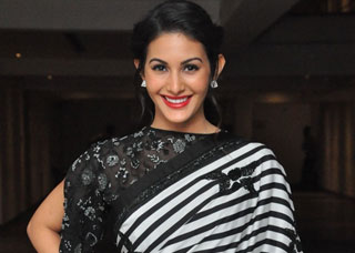 Amyra Dastur Photo Gallery 4